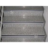 Antirutsch-Treppenkantenprofil, Rutschhemmung R13 nach BGR 181